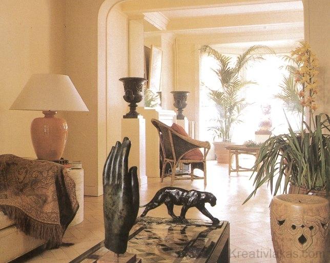 Az orchideát és a pálmát az egzotikus dísztárgyakhoz választották