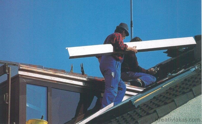 Az előre gyártott felépítmény a tetőn nyeri el végleges formáját