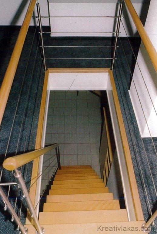 Gerinctartós lépcső