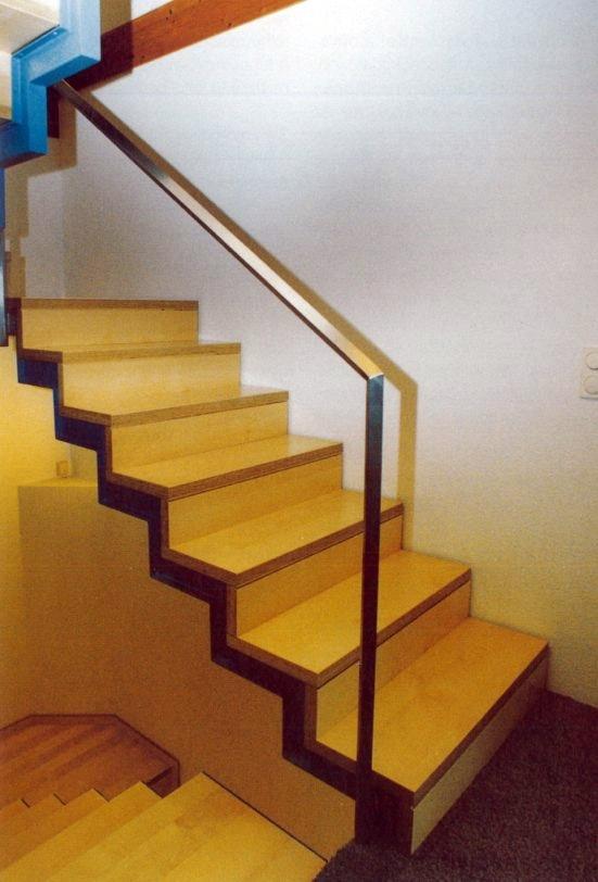 Egyenes kétkarú lépcső pihenővel 5.
