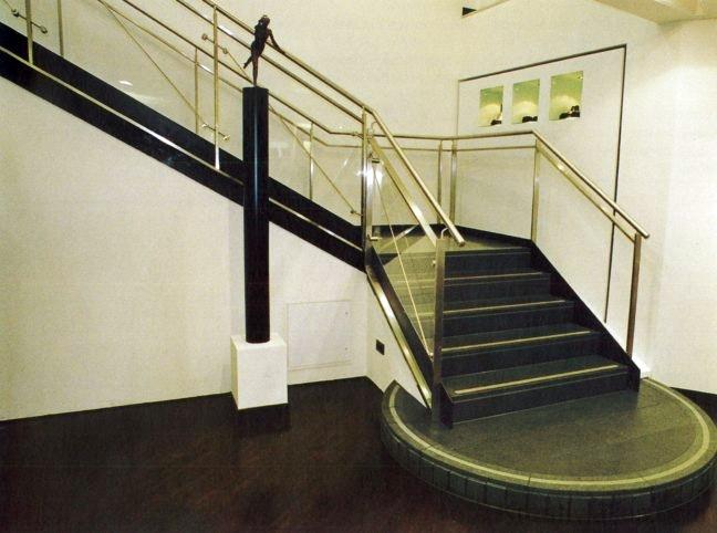 Egyenes háromkarú lépcső pihenővel 3.