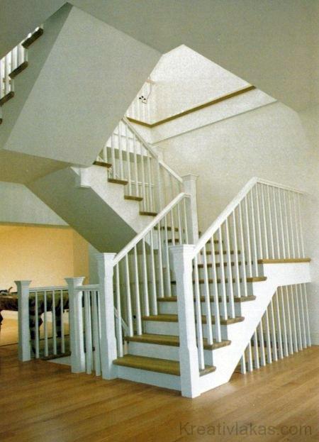 Egyenes négykarú lépcső pihenővel 1.