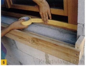 A betonozás előtt az ablaktokot ragasszuk le ragasztószalaggal