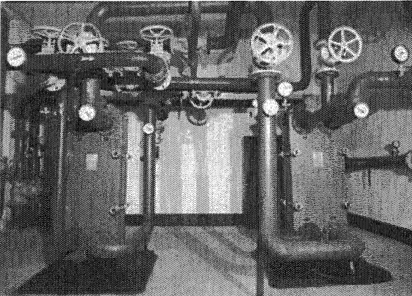9.16. ábra. Lemezes hőcserélő beépítve a fűtési rendszerbe.